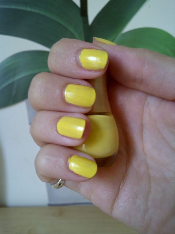 Vernis jaune soleil de Bourgeois collection Vacances à Hawaii